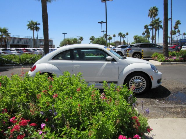 Pre-Owned 2014 Volkswagen Beetle Coupe 1.8T